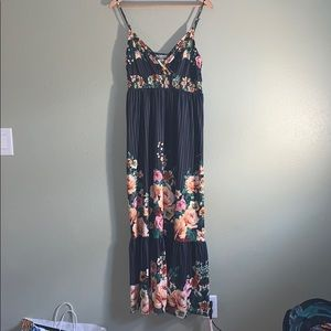 NITT by Flying Tomato Black Maxi Dress Size: L